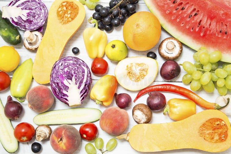 各种各样的水果和蔬菜 库存图片