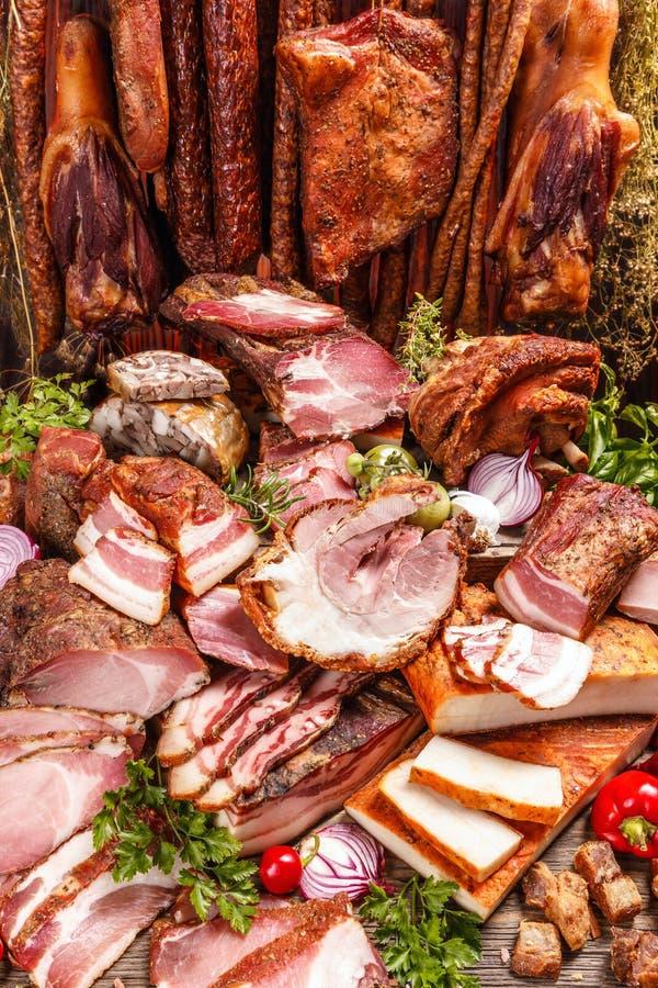 各种各样的熏制的猪肉静物画  库存照片