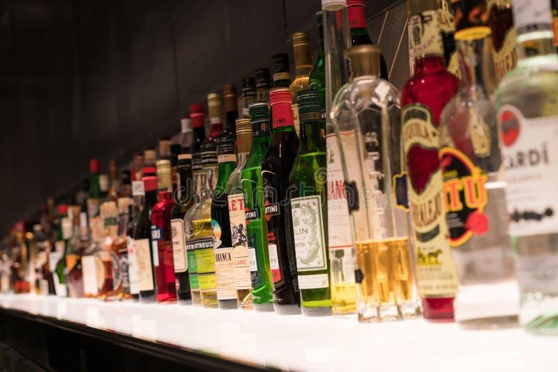 各种各样的酒精瓶 免版税库存图片
