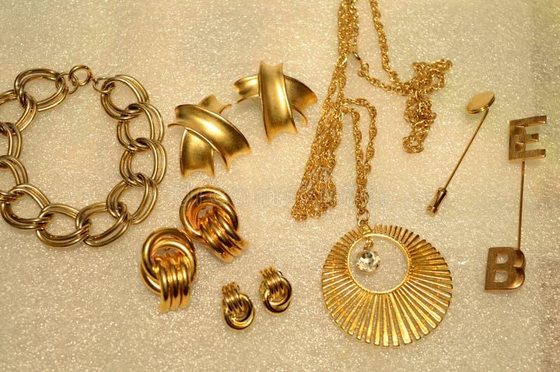 各种各样的金首饰 库存图片