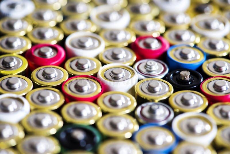 各种各样碱性电池背景 库存照片
