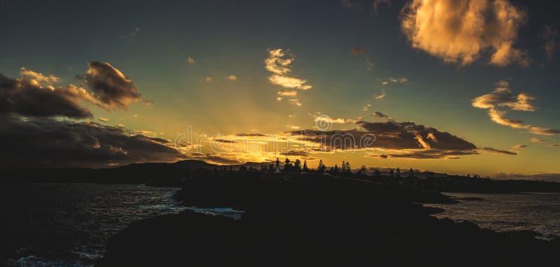 吉亚马灯塔,吉亚马的全景在日落的 库存照片