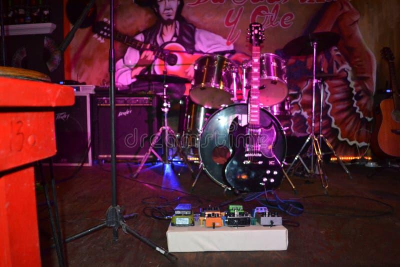 吉他、鼓和西班牙 库存照片