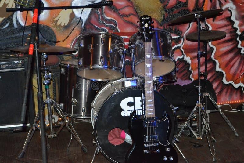 吉他、鼓和西班牙 免版税图库摄影