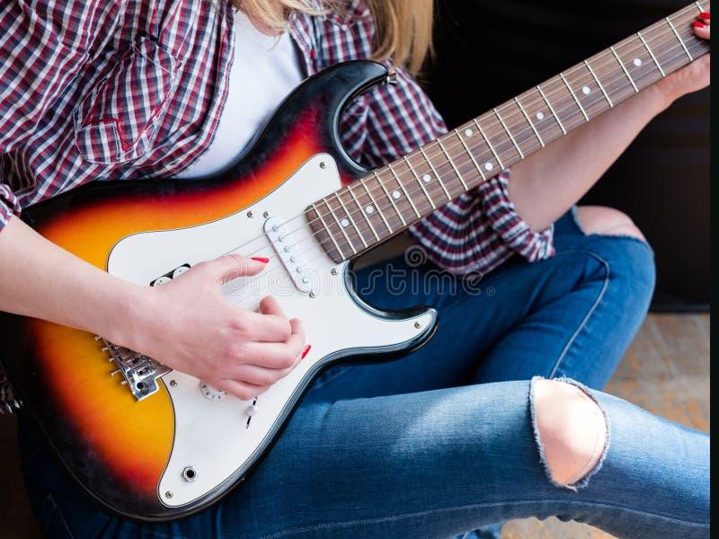 吉他串乐器戏剧爱好艺术 库存图片