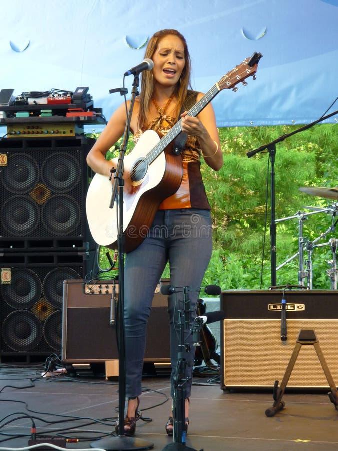 吉他弹奏者海斯shakti歌唱家 免版税库存图片
