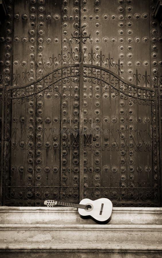 吉他放置 免版税库存照片