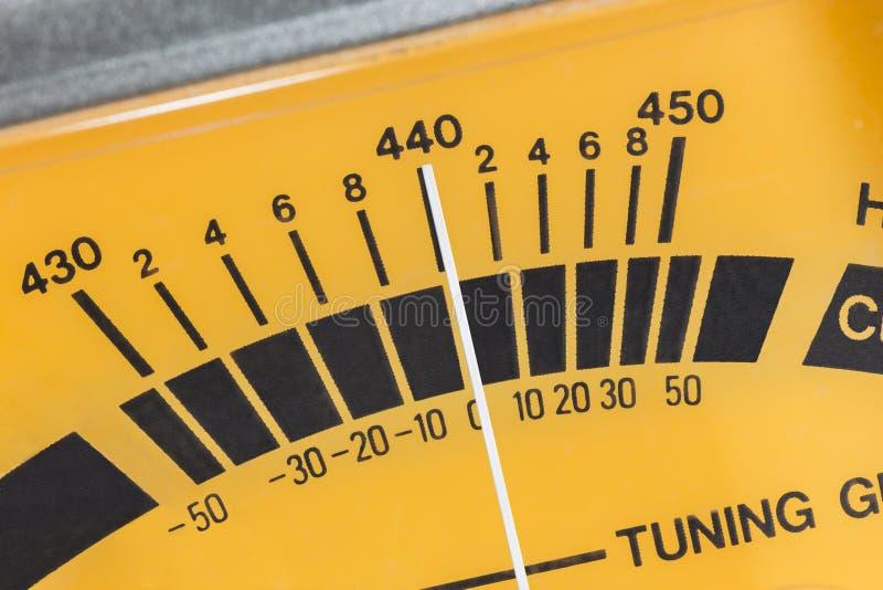吉他条频器针米宏观细节 免版税库存图片