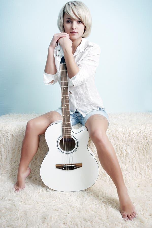 吉他白色 库存图片