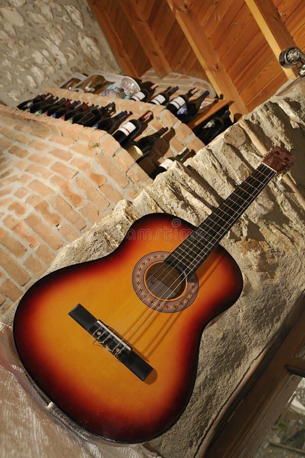 吉他酒 库存图片