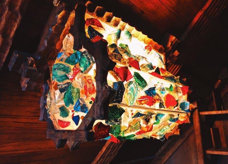 吉勒特城堡内部中世纪光 库存图片