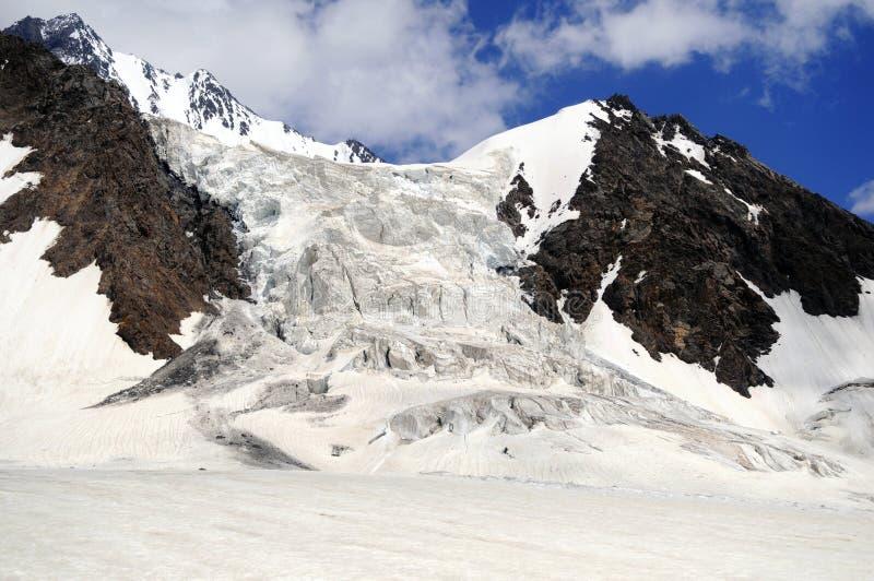 吉尔吉斯斯坦的山 库存图片