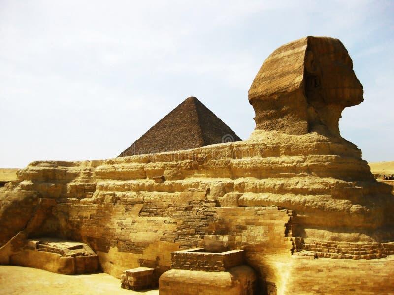 吉萨棉极大的高原金字塔狮身人面象 库存图片