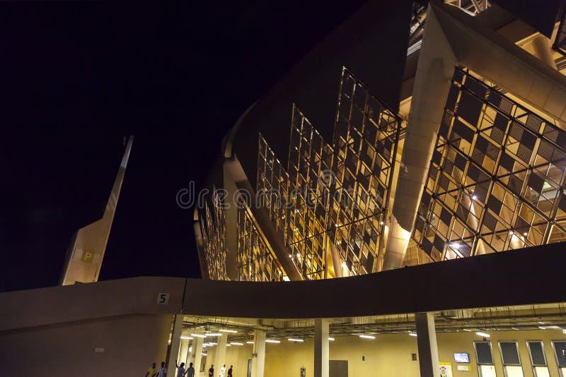 吉达,沙特阿拉伯2018年10月-16,艾伯都拉国王炫耀城市体育场是家庭对沙特阿拉伯的橄榄球 库存照片