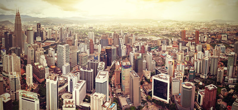 吉隆坡,马来西亚减速火箭的被过滤的地平线  免版税库存照片
