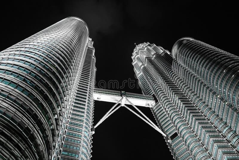 吉隆坡,马来西亚- 1月14 :双峰塔Nightscape  免版税库存照片