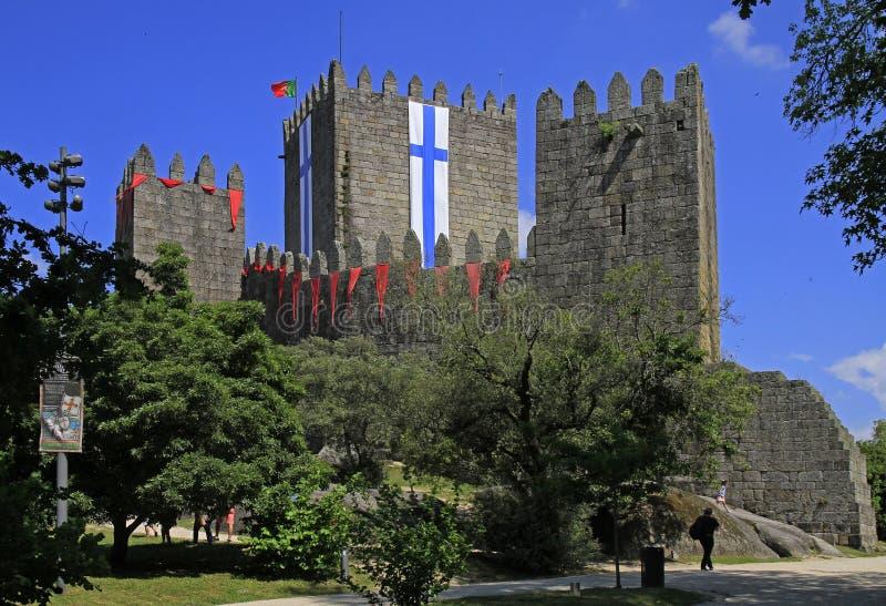 吉马朗伊什城堡和周围的公园,北葡萄牙 免版税库存照片