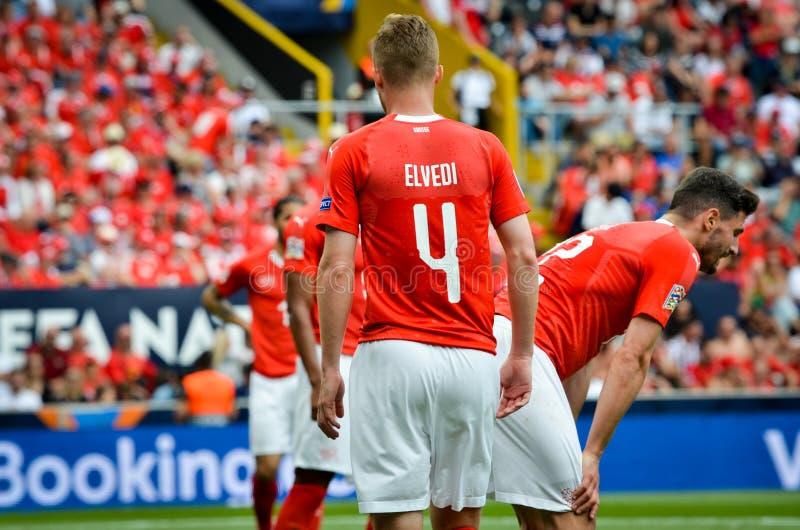 吉马朗伊什,葡萄牙- 2019年6月09日:在UEFA国家同盟决赛期间的尼科Elvedi在瑞士之间的第三名的 图库摄影
