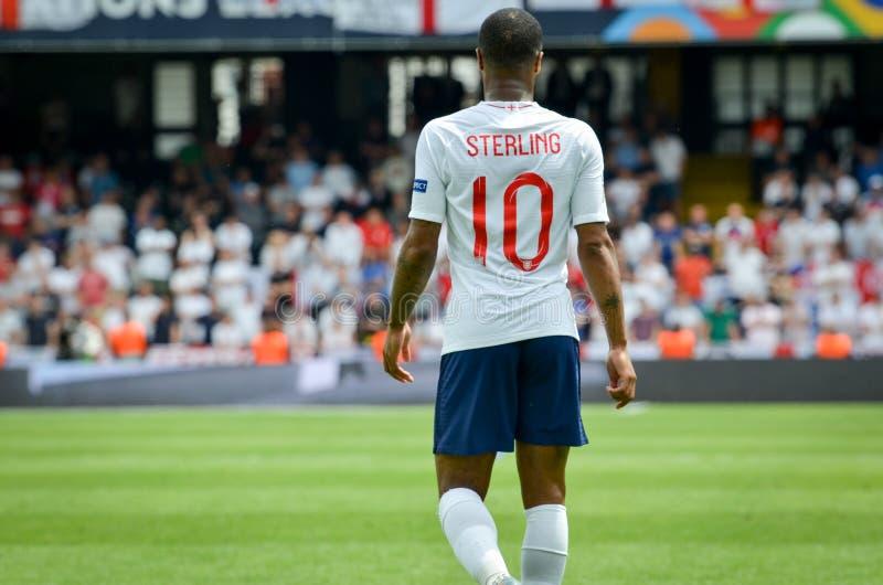 吉马朗伊什,葡萄牙- 2019年6月09日:在UEFA国家同盟决赛期间的拉希姆・斯特林之间第三名的 免版税库存图片