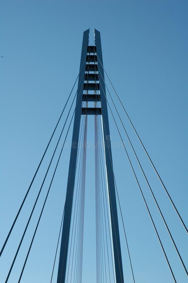 吊桥的缆绳和塔 库存照片