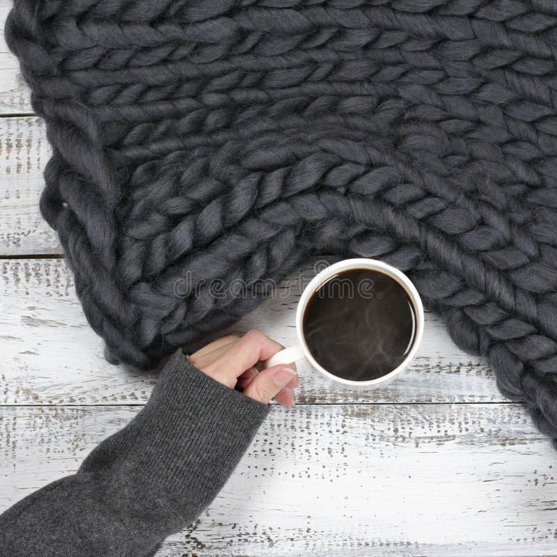 吊用热的咖啡 免版税库存照片