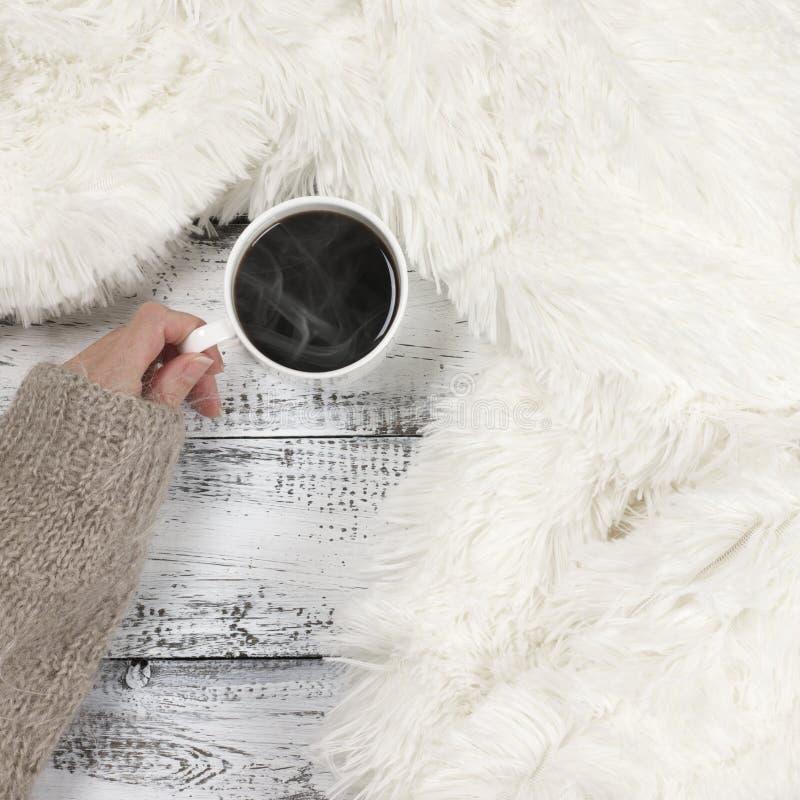 吊用热的咖啡 免版税库存图片