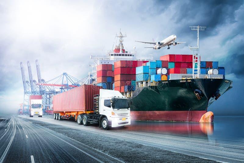 后勤学进出口背景和容器货物货物船运输产业  图库摄影