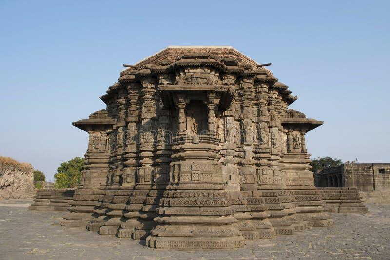 后部视图,Daitya苏丹寺庙,洛纳尔,布尔达纳县,马哈拉施特拉,印度 图库摄影