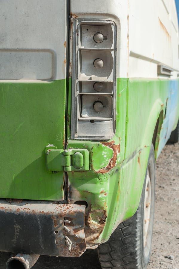 后面绿色事故提取 免版税库存图片