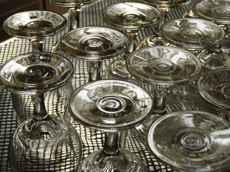 向上的葡萄酒杯 免版税图库摄影