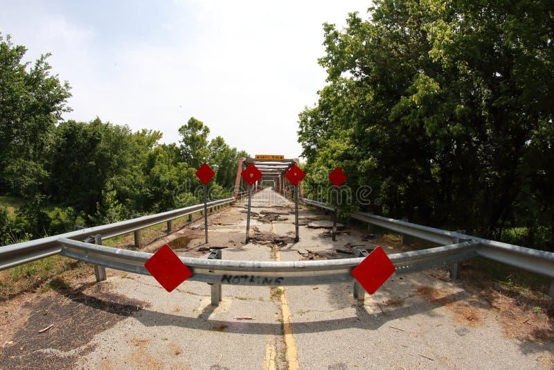 向前被关闭的桥梁 免版税库存照片