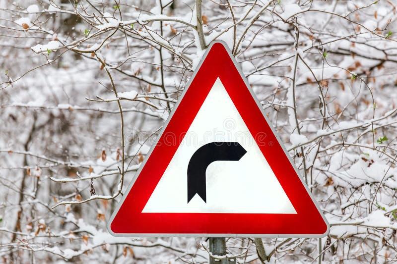 向右转的冬天标志 免版税库存照片
