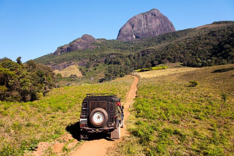 向山basecamp的土地路 免版税库存照片