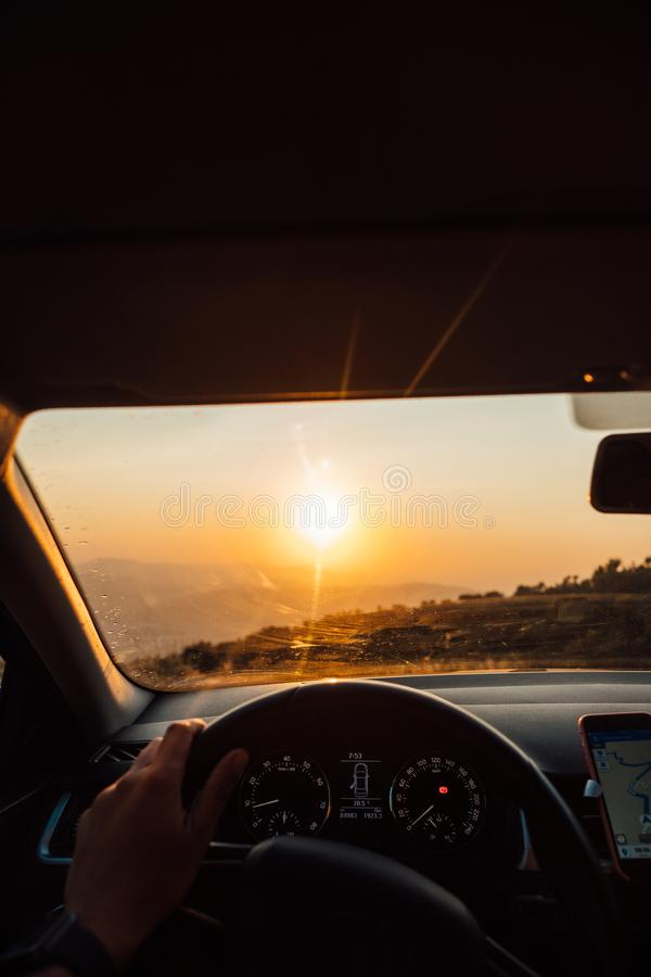 向成功的路-旅行在路的司机 图库摄影