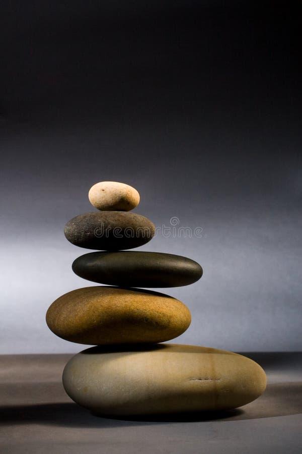 向禅宗扔石头 免版税库存照片