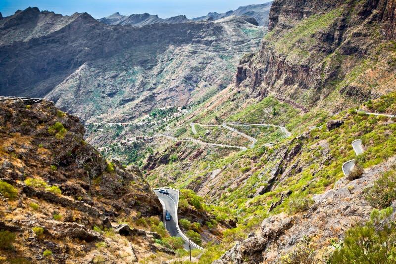 向Masca村庄Teno山的,特内里费岛,温泉的山路 库存照片