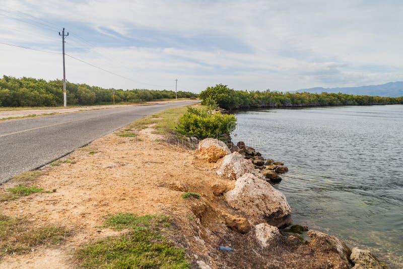 向Playa肘在特立尼达附近,古芝的路 图库摄影