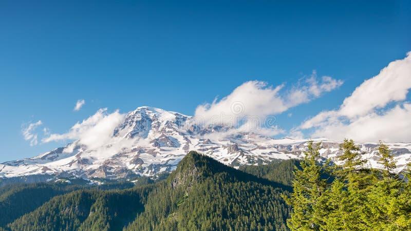 从启发点,登上Rainie的瑞尼尔山 免版税库存图片