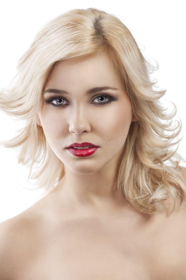 启用的白肤金发女孩头发tflying 免版税图库摄影