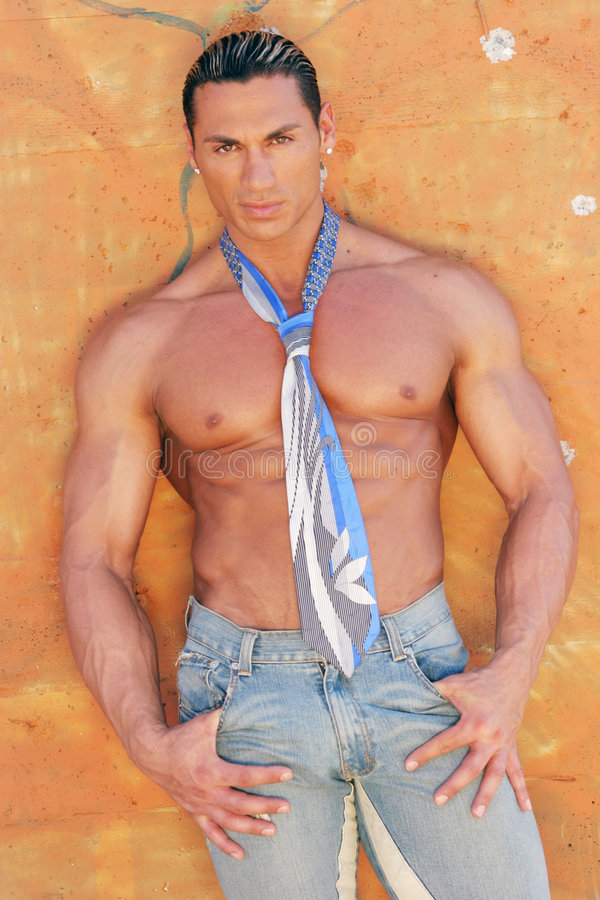 吸收英俊的男性模型性感的sixpack 库存照片