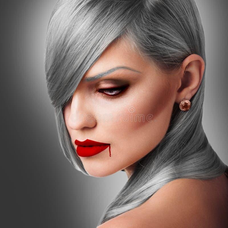 吸血鬼万圣夜妇女画象 免版税库存图片