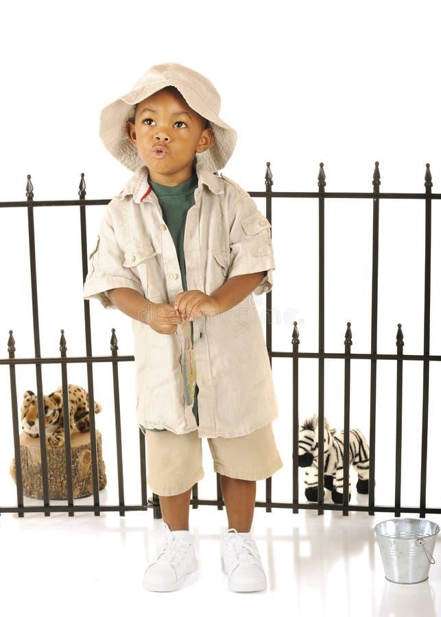 吹哨的动物园管理员 免版税图库摄影