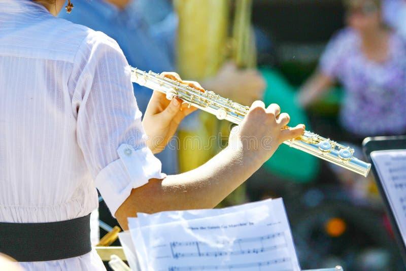 吹奏演奏长笛演奏家有乐器的音乐音乐家执行者 免版税库存照片