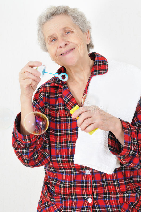 吹的泡影夫人前辈肥皂 免版税图库摄影