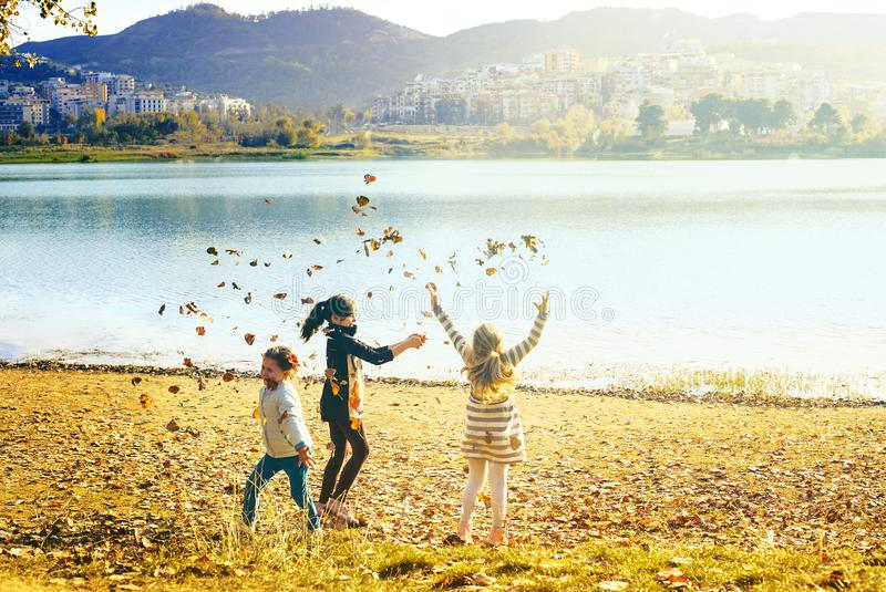 周末在湖的地拉纳 免版税库存照片
