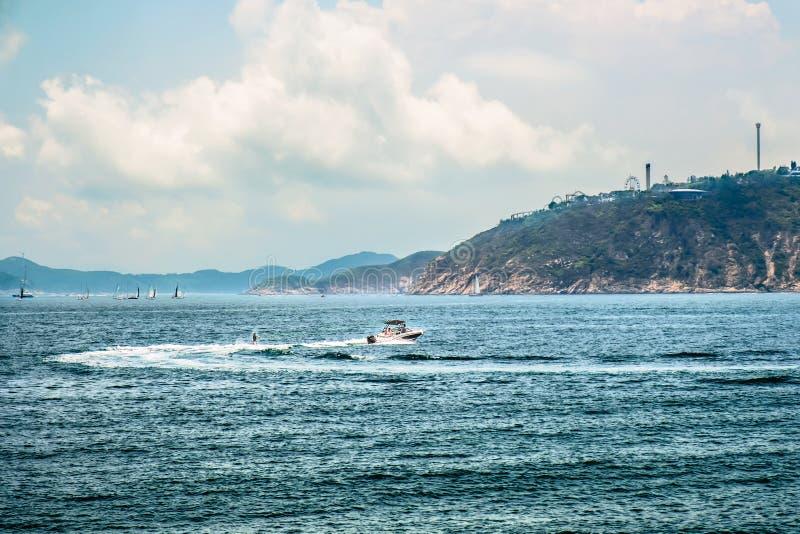 周末或假期活跃休闲 水面体育 海景,风景 E 免版税库存照片