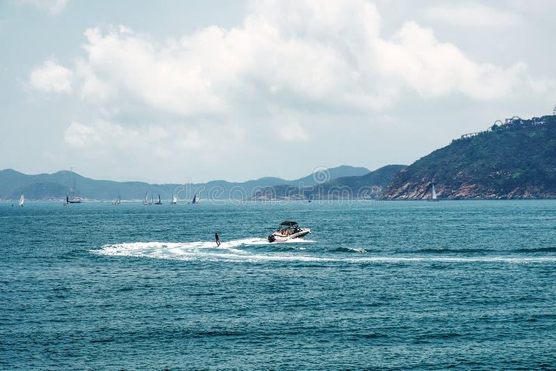 周末或活跃假期休闲 水面体育 海景,风景 E 免版税库存图片