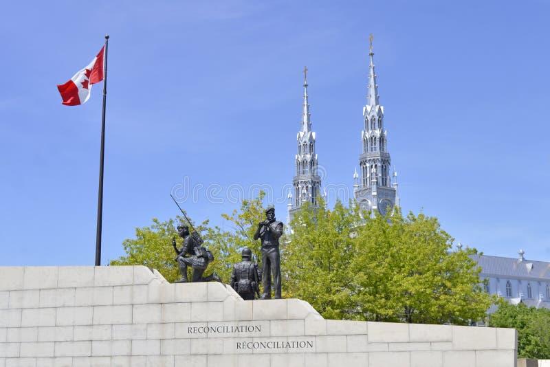 和平和和解纪念碑在渥太华,加拿大 免版税库存照片