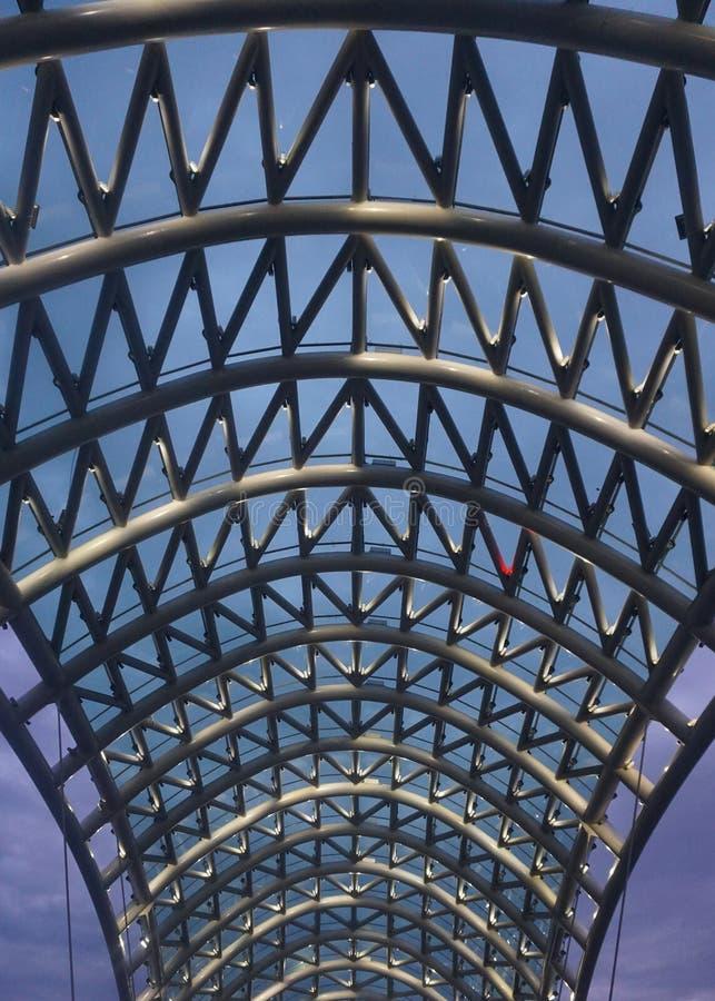 和平屋顶视图第比利斯桥梁  库存图片