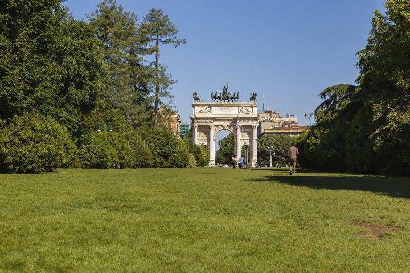 和平曲拱在Sempione公园,米兰,伦巴第,意大利, 13-05-20 免版税库存图片